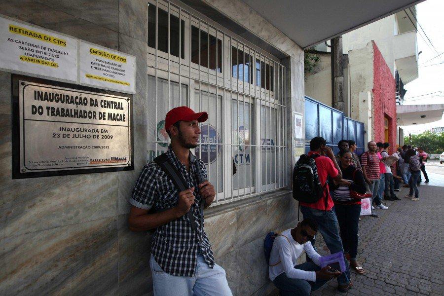 Doce millones de desempleados en Brasil: La tasa más alta de los últimos años
