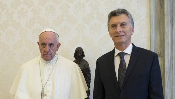 """El Presupuesto 2017 que propone Macri ofrece un """"endeudamiento obsceno"""", afirma un documento avalado por el Papa"""