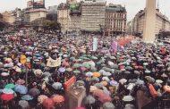 """Un """"miércoles negro"""" con miles de mujeres movilizadas contra los femicidios"""