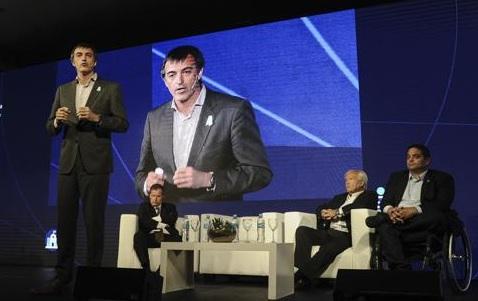 CEOcracia: Esteban Bullrich admite estar al servicio de las grandes corporaciones