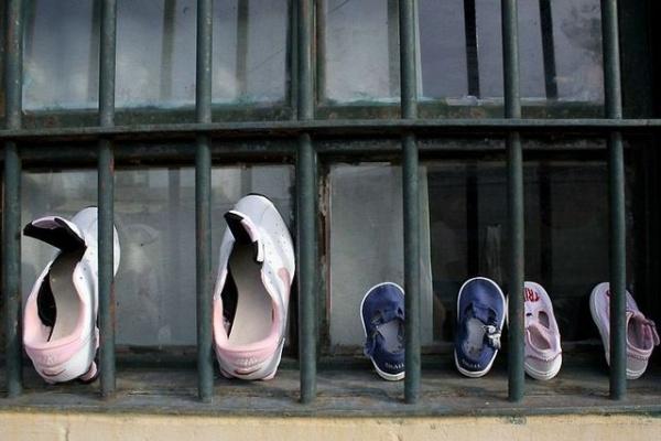 Una historia de perversión sistemática: los carceleros bonaerenses reprimen a mujeres presas y suspenden sus ciclos educativos
