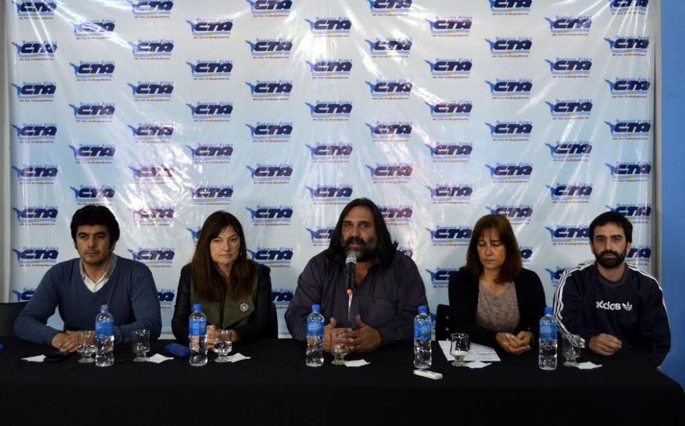 Docentes denunciarán ante tribunales internacionales la intimidación policial de Vidal