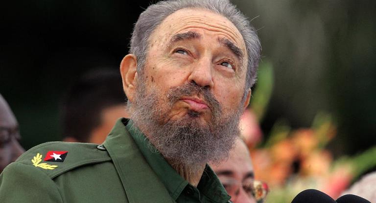 """""""Pero el pueblo lo llama el caballo y es cierto, Fidel montó sobre Fidel un día; se lanzó de cabeza contra el dolor, contra el polvo del alma"""""""