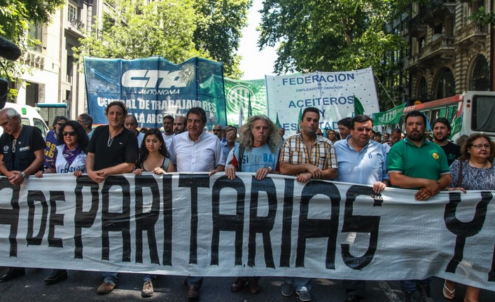 """Estatales sobre el cinismo de Macri: """"La pobreza no se llora, se combate con políticas públicas y salarios dignos"""""""