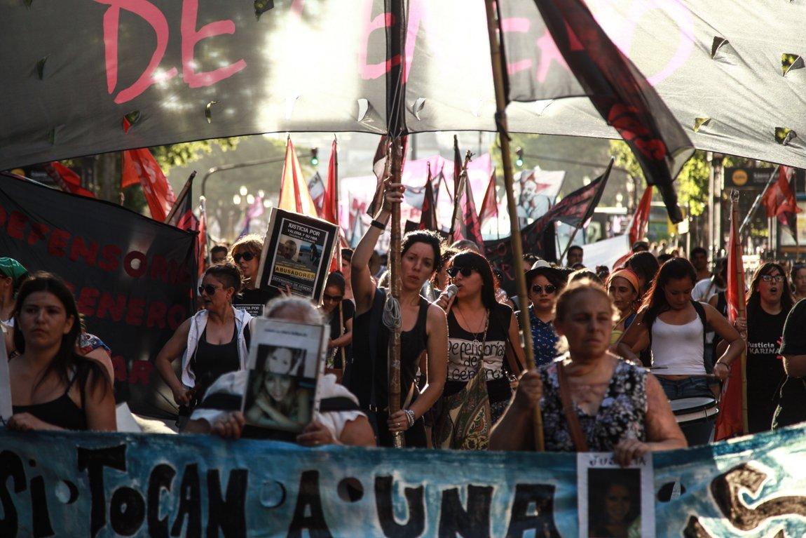 """#NiUnaMenos: """"Nuestro grito es el de todxs lxs que desean subvertir el patriarcado, que excluye, mata y encarcela"""""""
