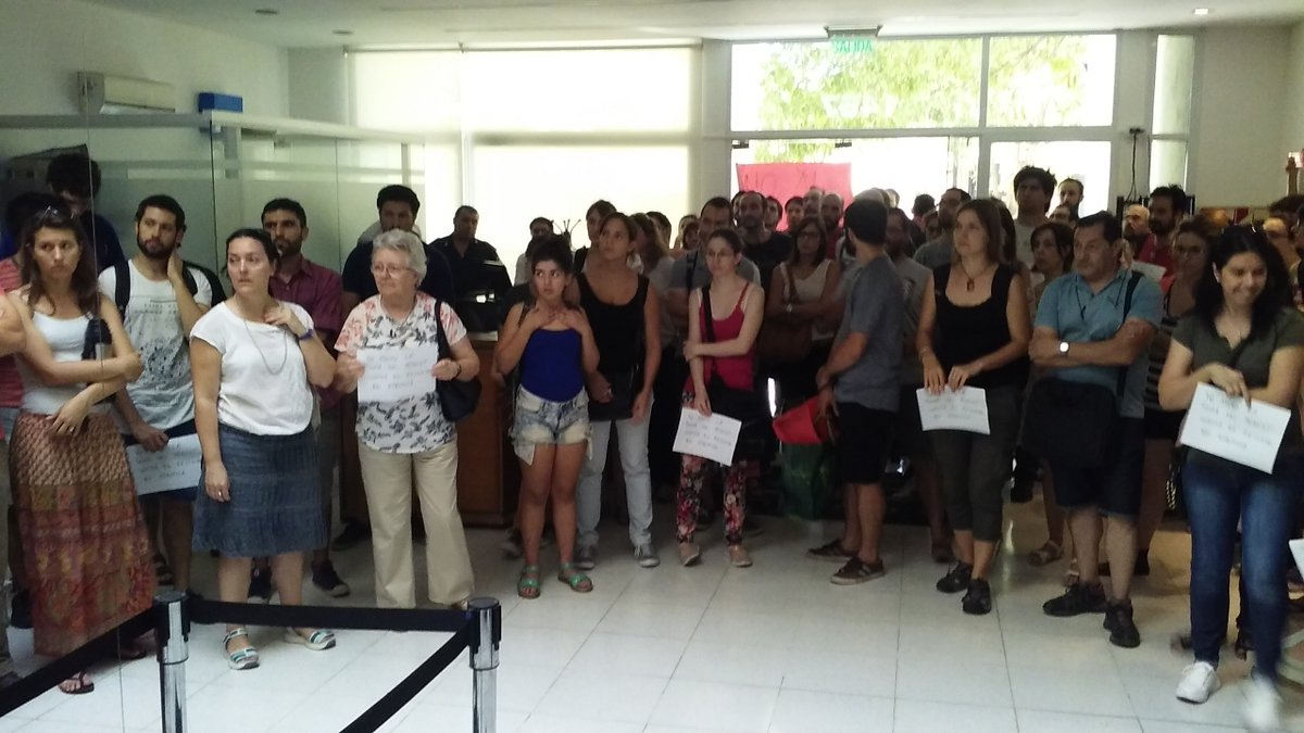 Toman la sede del Conicet La Plata en sintonía con el reclamo a nivel nacional por el recorte presupuestario