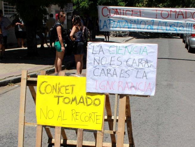 Periodismo de la UNLP repudia los recortes del macrismo en ciencia y educación