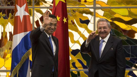En asociación con China, Cuba fabrica computadoras y Tabletas