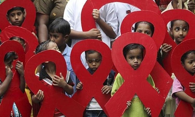 Cada dos minutos un adolescente de entre 15 y 19 años contrae el VIH, y las dos terceras partes de ellos son niñas