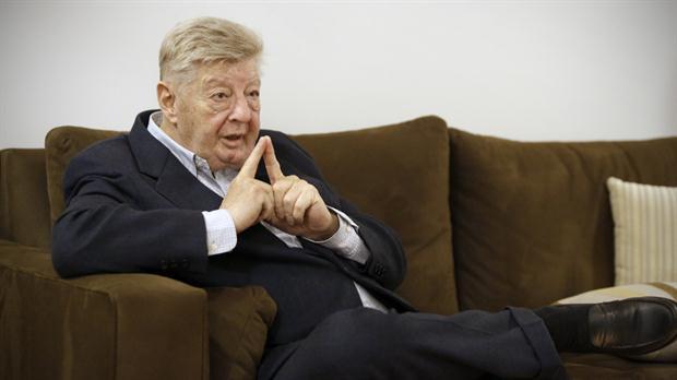 Quien fuera economista estrella de Scioli a los besos con el gobierno de Macri
