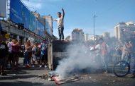 Represión de la  policía contra los manteros del Once