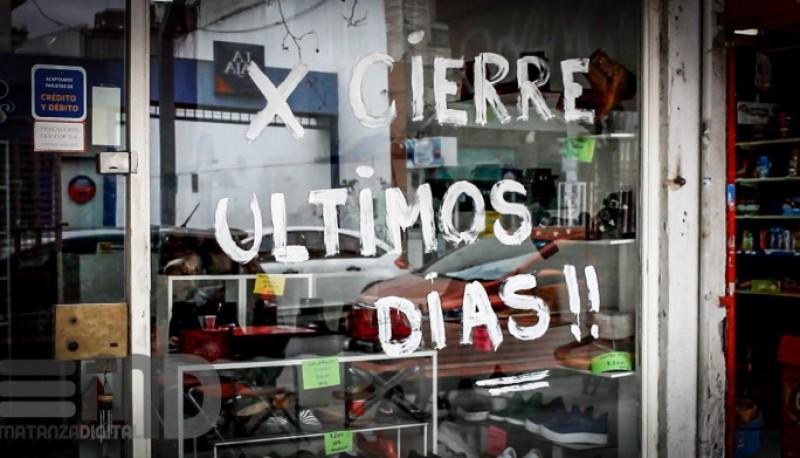 Macri ya dejó en la vía a más de 30.000 comercios y pymes