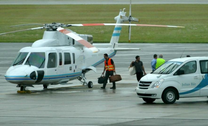 La esclavista Juliana Awada regresó de Punta del Este en el helicóptero presidencial con bolsos de un banco offshore