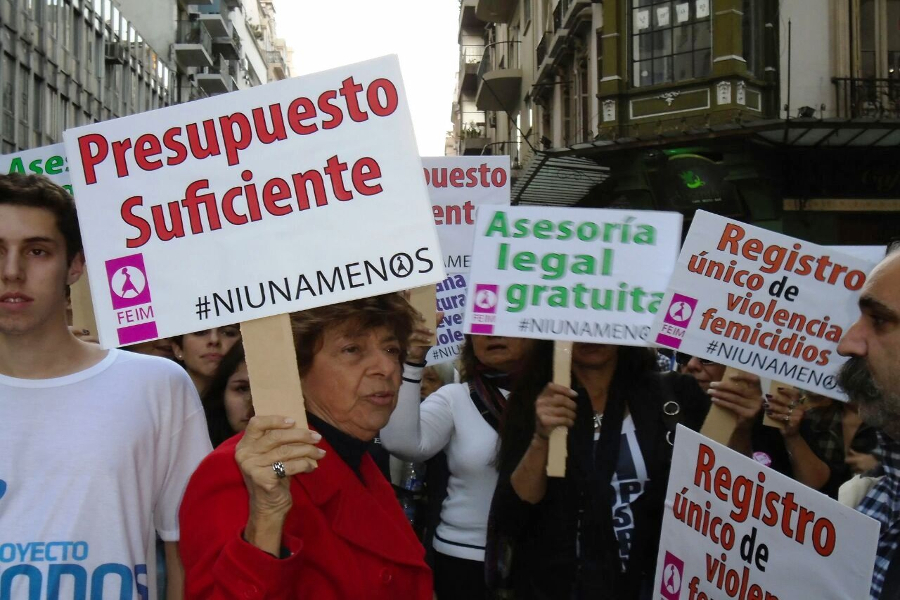 """Como el gobierno de """"la (él) Vidal"""" parece el de un macho, las mujeres de la Provincia llaman al paro y exigen presupuesto contra la violencia de género"""