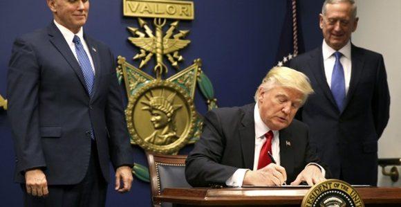 El Departamento de Estado dio marcha atrás a decreto de Trump sobre visados
