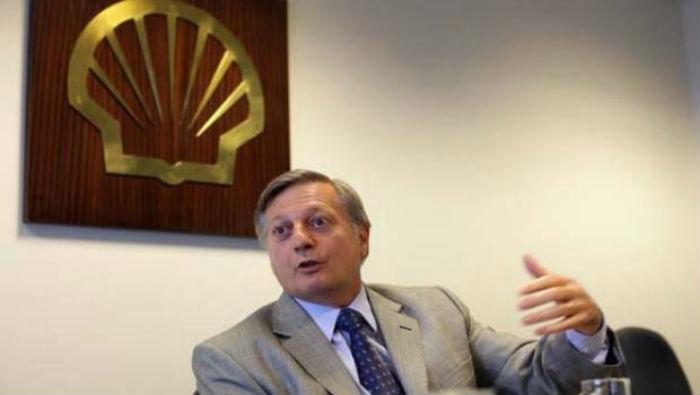 """Macri y la mafia mediática argentino española, con Clarín y El País haciendo punta, todos en la operación """"a privatizar YPF"""""""