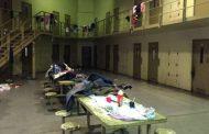 Brutal represión en la cárcel de Ezeiza contra mujeres que reclamaban por comida