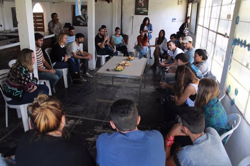 """Florencia Saintout denuncio el """"avance de la droga e insuficientes servicios de luz, agua y transporte"""" en Villa Elvira"""