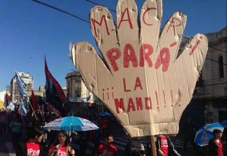 En la Argentina de Macri, la lista de despedidos aumenta día a día