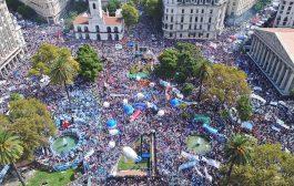 Dignidad blanca: 400 mil docentes exclamaron que no se arrodillarán ante Macri y ratificaron la continuidad de la lucha por la paritaria nacional
