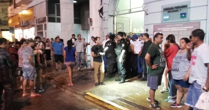 """El cantito callejero """"Macri, basura, vos sos la dictadura"""", da en el blanco: desde Camps hasta Vidal, la Bonaerense una incontrolable policía asesina"""