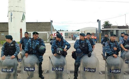 Vidal no genera trabajo, lo destruye: envió 600 policías a Merlo para desalojar una fábrica recuperada y dejar a 120 familias en la calle