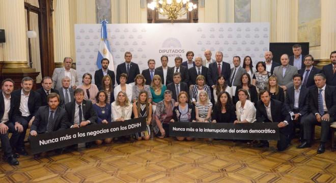 Para Macri y sus fascistas la democracia es apenas una capucha: de familia de genocidas, Nicolás Massot es, claro, PRO-Genocidas
