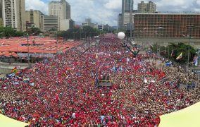 Disparan sobre Venezuela: presión Internacional, bloqueo económico, desabastecimiento y golpe de Estado