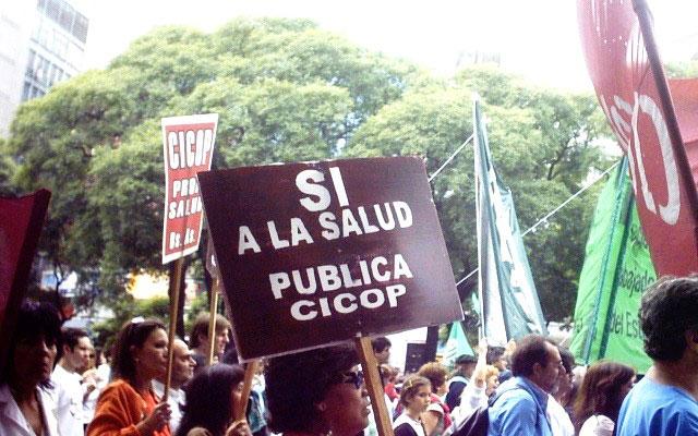 """Médicos advierten que Vidal """"tiene un desprecio absoluto por la salud pública"""""""