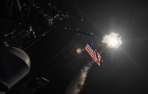 Trump justificó sus bombas sobre Siria con campañas de mentiras idénticas a las que utiliuzó Bush para masacrar a Irak