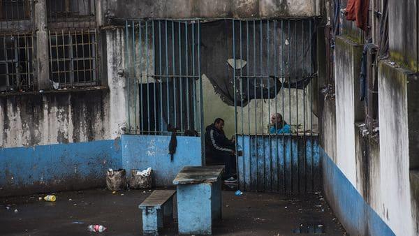 Los verdugos del Servicio Penitenciario Bonaerense y la Justicia al servicio de las obsesiones represivas: que los presos no estudien
