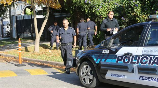 La Bonaerense en acción: balearon la casa de un fiscal que investiga corrupciones policiales