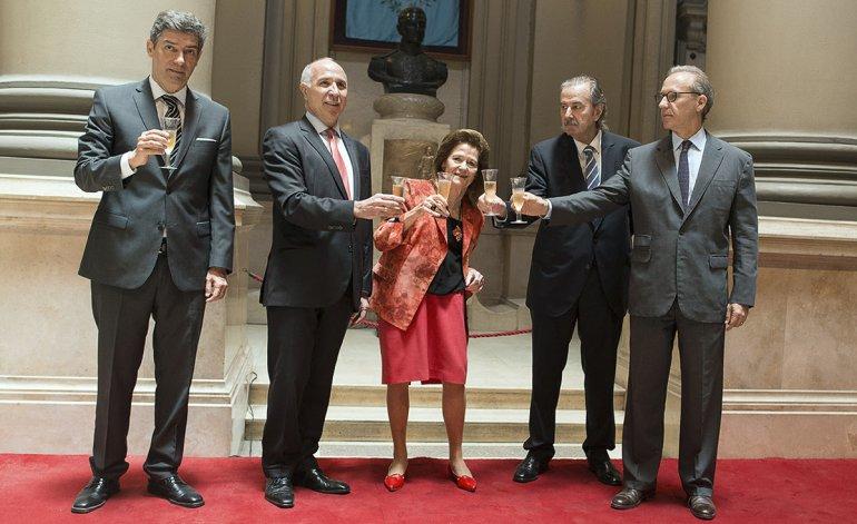Highton de Nolasco le devolvió favores a Macri, y Rosatti y Rosenkrantz son empleados del Gobierno
