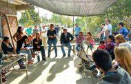 """""""Acá está la patria"""", dijo Florencia Saintout durante su encuentro con vecinos del barrio Los Hornos"""