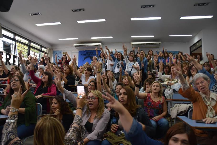 """""""La emancipación de las mujeres es un hecho de justicia social"""", dijo Florencia Saintout"""