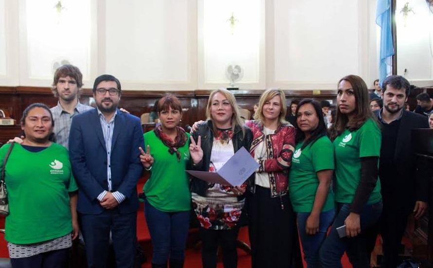 Violencia transfóbica: Saintout condenó el intento de asesinato de Claudia Vásquez Haro y apuntó contra el intendente platense