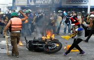 """Vicepresidente de Venezuela denuncia a """"responsables directos de la violencia, la muerte y el odio"""""""