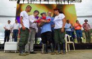 """Colombia: """"Adiós a las armas, adiós a la guerra"""""""