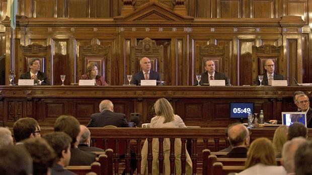 Un fallo de la Corte que refuerza la mentirosa campaña de Macri y el aparato mediático contra los trabajadores y el derecho laboral