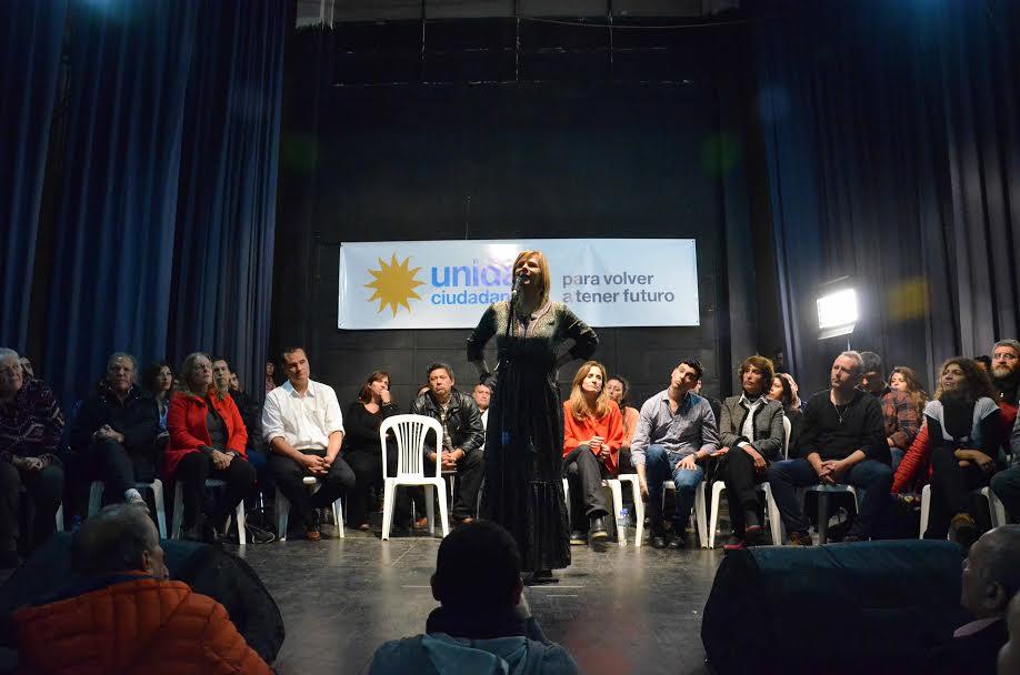 """""""La unidad no se declama, se construye con generosidad y coraje"""", dijo Florencia en el plenario platense de Unidad Ciudadana"""