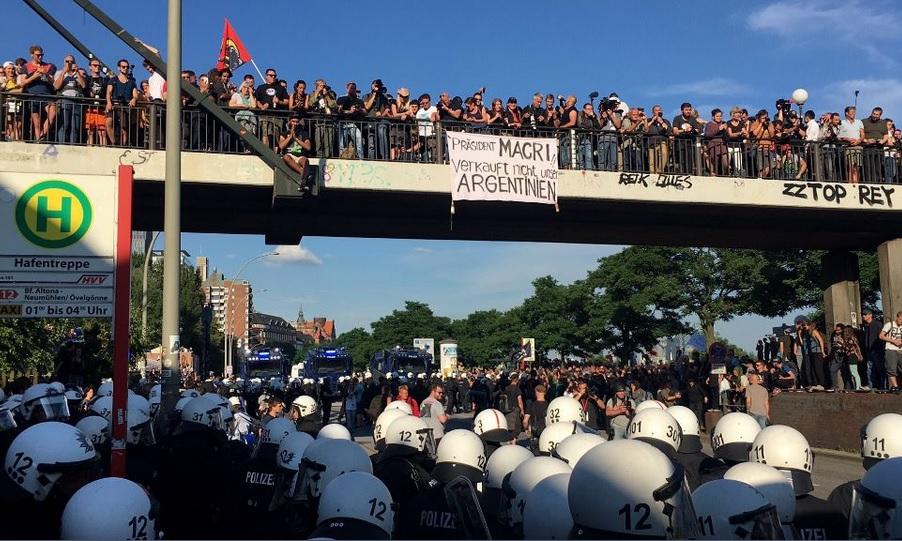 """Cumbre del G20: en el """"infierno"""" alemán recibieron a Macri como lo que es, un vendepatria"""