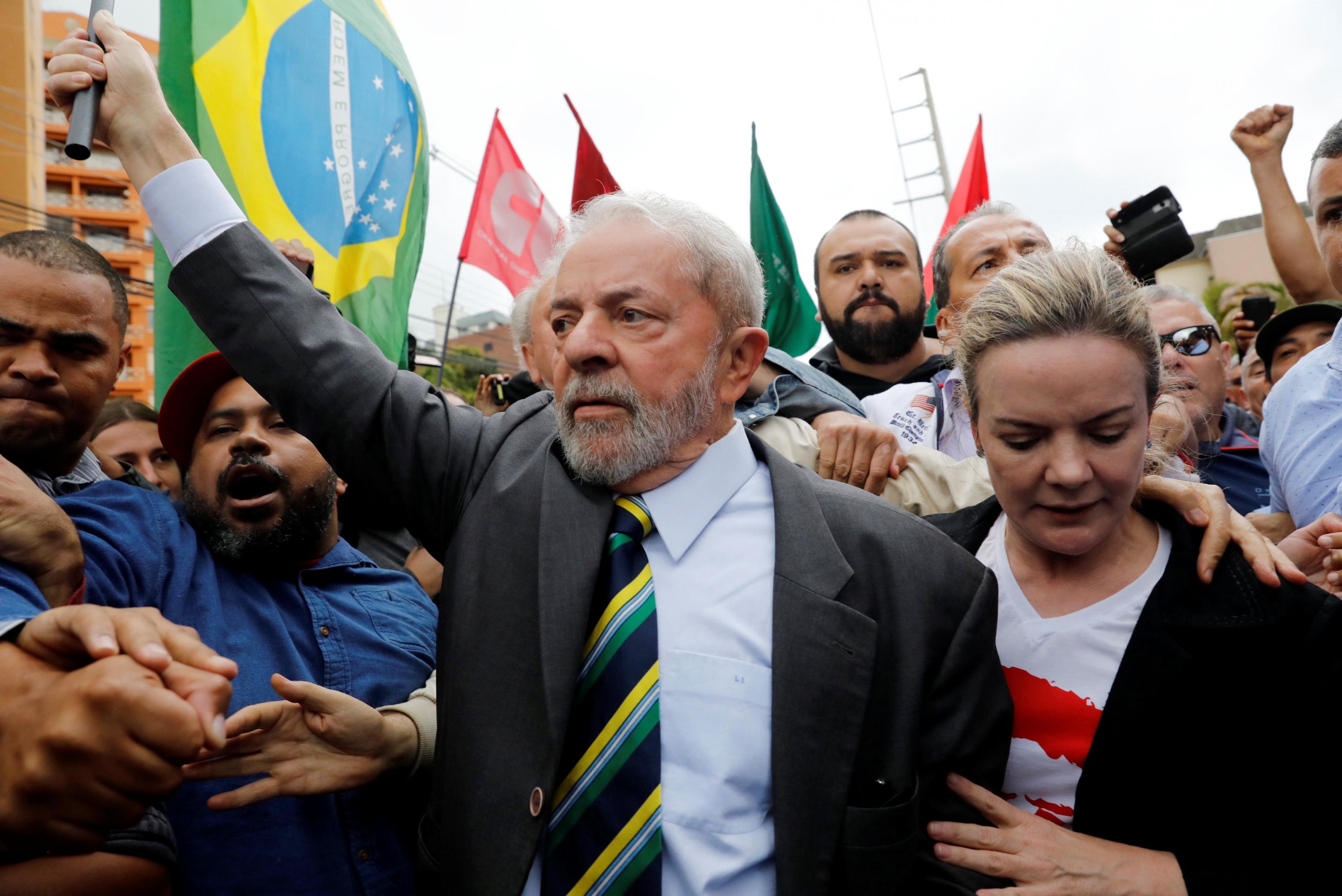 Condenan a Lula a nueve años y medio de prisión para impedir que vuelva a la Presidencia