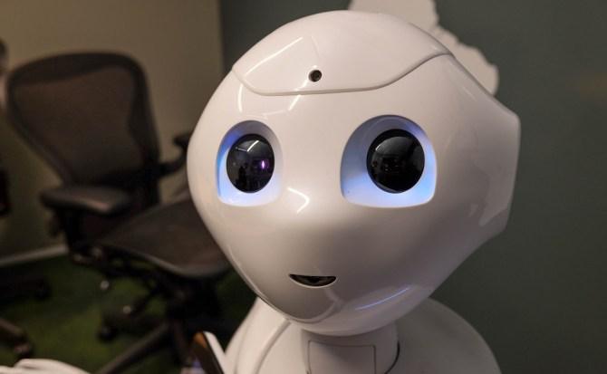El día que Terminator se quedó corto: ¿Cómo hackear a robots para atacar y espiar a los seres humanos?