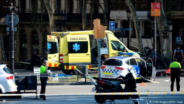 Atentado en Barcelona: confirman trece muertos tras atropello masivo