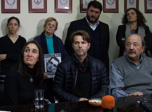 """Desaparición de Santiago Maldonado: """"A mi hermano se lo llevó Gendarmería, queremos que aparezca con vida"""""""