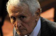 Exoneraron al genocida Etchecolatz y a otros 11 represores de la Bonaerense