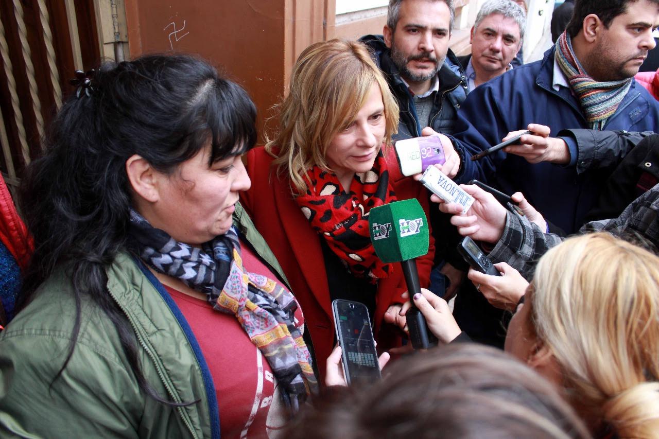 """""""No se pueden permitir estas situaciones violentas"""", dijo Florencia al repudiar procedimiento policial frente al Municipio"""