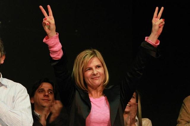 """Cambiemos festejó temprano, Cristina consideró """"hemos ganado en la Provincia"""" y, en La Plata, Florencia marcó el camino a seguir"""