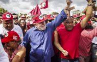 """""""Por donde Lula pasa, las multitudes van a su encuentro"""""""