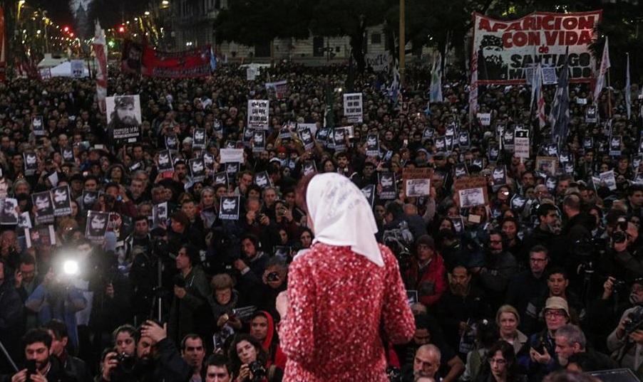 """Un grito de miles resonó desde Plaza de Mayo: """"¡Aparición con vida ya de Santiago Maldonado y castigo a los culpables!"""""""